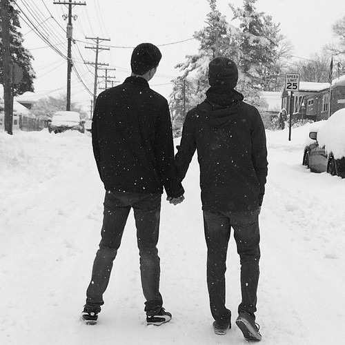 boys holding hands tumblr - photo #7