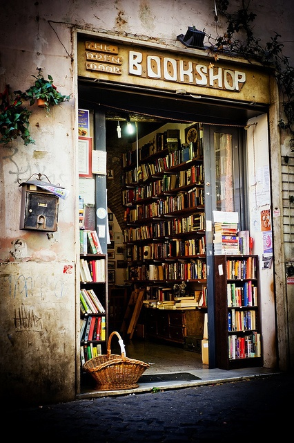 b, book, books, bookshop, cool, good, grunge, hipster, indie, lovely, nerd, reading, tumblr, vintage