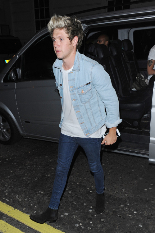 Cute Gorgeous Handsome Niall Horan One Direction Style Image 2781089 By Glamorista On