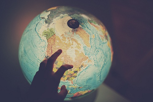grunge, hand, hipster, lights, pale, photography, pic ... Globe Drawing Tumblr