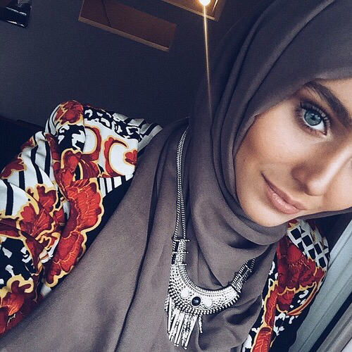 Girl + 7ijeb beauty-clothes-eyes-