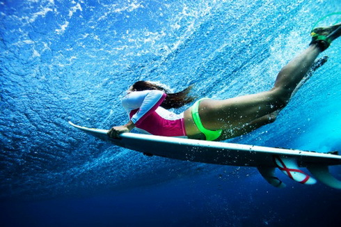 agua, bikini, mar, neon, neon bikini, neoprene, ocean, oceano, ola, sea, sport, summer, summer time, surf, surfista, under water, verano, water, wave, tabla de surf, deporte, debajo del agua, surf table, neopreno, surf girl