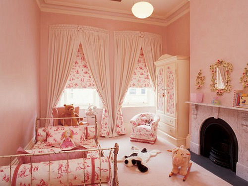 Inspire little girls room bedroom roomspiration girly for Cute girly rooms