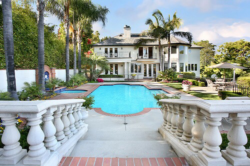 Amazing beautiful house lifestyle love lovely palm for Beautiful rich houses