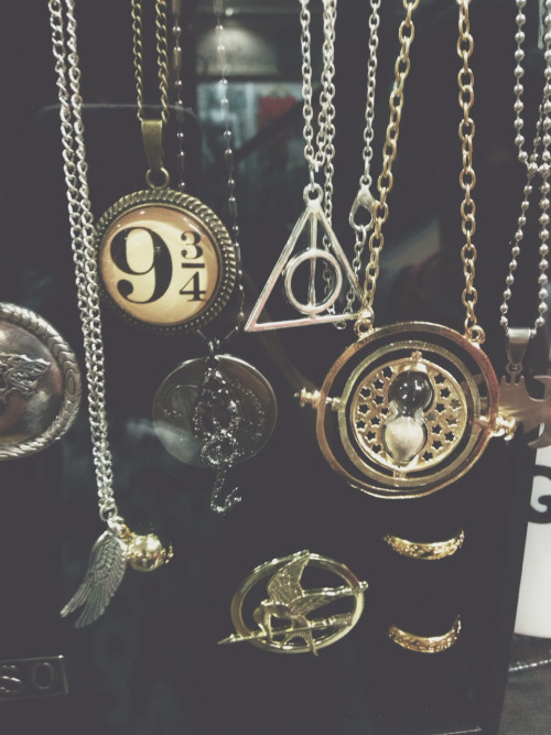 books, daniel radcliffe, dealthy hallows and draco malfoy