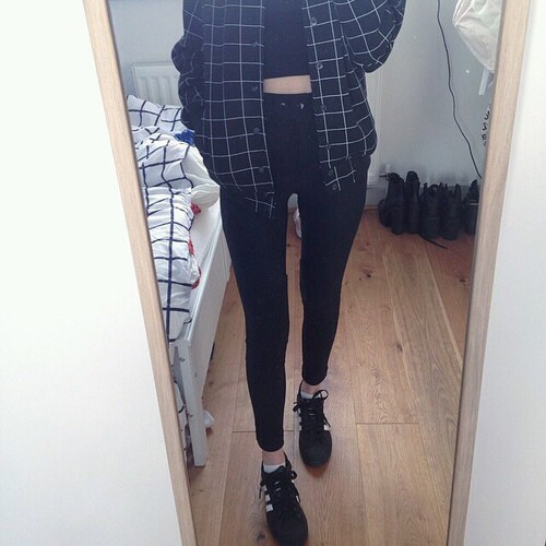 aesthetic, asia, asian girl, asian style, basket, beautiful, beauty, black, clothes, cute, dark, fashion, fashionable, girl, gothic, grunge, indie, jacket, jean, jeans, kfashion, korea, korean, korean girl, korean style, look, lovely, outfit, shoes