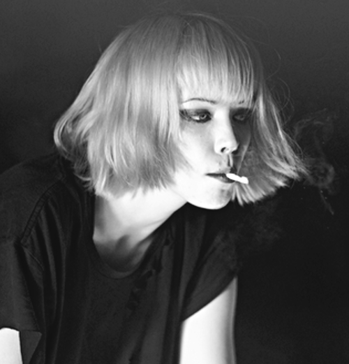 Alice Glass Crystal Castles Black And White Smoking