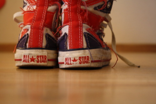all star, all strar, britain, british flag, chuck taylor, converse, dirty, england, europe, old, photography, shoes, union jack, vintage, worn