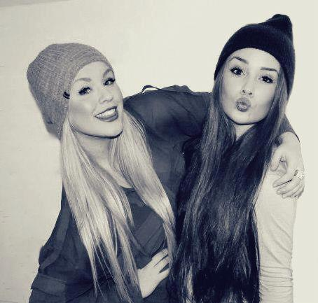 amazing, beanies, beautiful, beauty, best, bestfriends, bff, blonde, brown, cute, dark, friends, friendship, girls, hair, long, long hair, lovely, pretty, relationship, swag, teenagers, teens, yolo, young