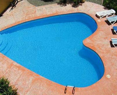 Blue water heart love pool image 726821 on for Blue water parts piscine