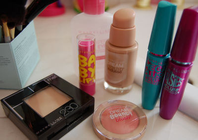 Foundation, Maybelline, baby lips, blue